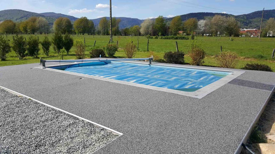 L 39 expert du rev tement de sol et du b ton drainant floor for Revetement piscine resine